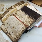 Zerstörtes Buch